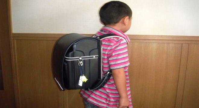中村鞄のランドセルを使っている男の子
